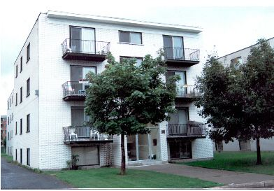 2440 Nantel, Brossard